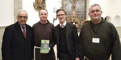 In Sorge – In Hoffnung.  Kapuzinerklostergarten erhält UN-Auszeichnung